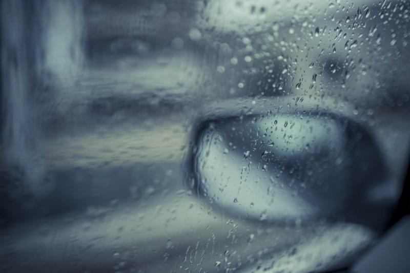 雨で見にくいサイドミラー
