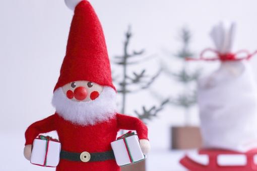 クリスマスサンタとプレゼント
