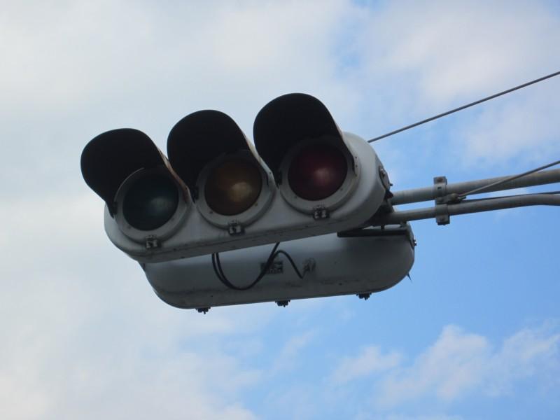 停電で消えた信号機
