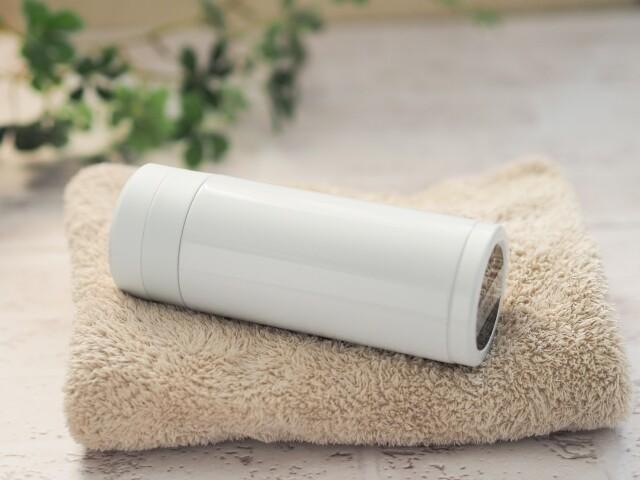 水筒とタオル